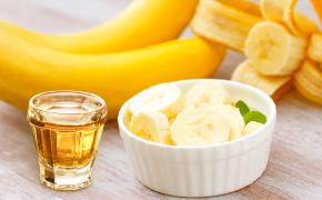 Conheça e aprenda a fazer a deliciosa cachaça de banana