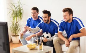 3 dicas para assistir futebol com os amigos